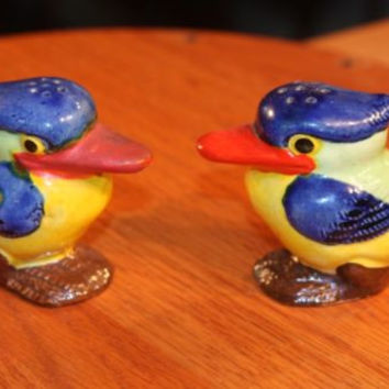 Tropical Birds Brightly Colored  Vintage Salt & Pepper Shakers Figural Japan