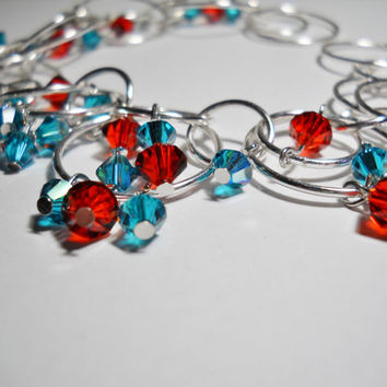 Chainmaille bracelet - Swarovski Crystals - turquoise and amaranth