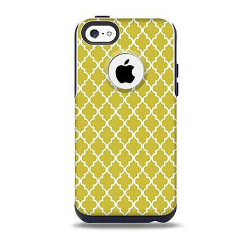 The Gold & White Seamless Morocan Pattern Skin for the iPhone 5c OtterBox Commuter Case