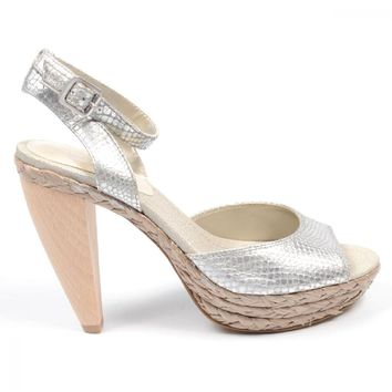 Nine West Womens Ankle Strap Sandal NWCASTING SILVER SLV