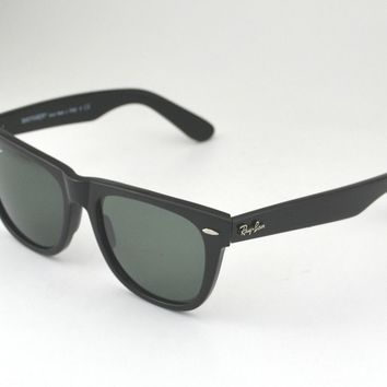 Ray Ban RB 2140 Original Wayfarer 901 Black Frame/ Green Classic G-15 Glass Lens