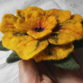 Felted brooch, felt jewelry, yellow felt brooch flower, flower brooch, wool fashion accessory, hair pin brooch, hat, scarf, dress,Christmas