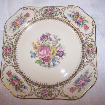 Vintage Continental Ivory Bavaria Queens Bouquet plate red yellow blue purple floral gold trim 8 1/4 inch wide