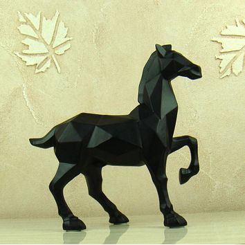 Geometric Pattern Warhorse Sculpture Abstract Resin Bronco Statue Souvenir Art and Craft Gift Ornament for Home and Office Decor