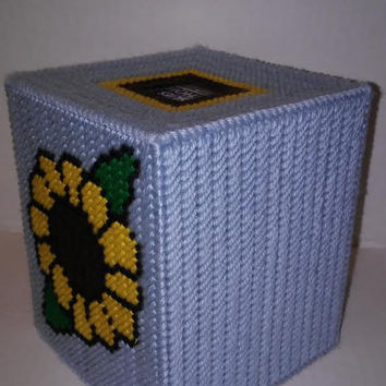 Sunflower Tissue Box Cover, Sunflower Box, Plastic Canvas Box, Boutique Tissue Box, Fall Box, Get Well Gift, Office Decor, Holiday Decor