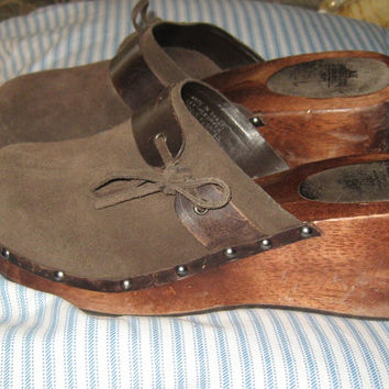VINTAGE 80S Wood heel suede leather womens clogs  sz 10