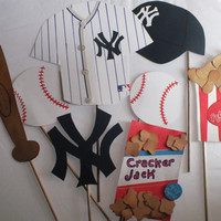 Photo booth props: NEW YORK YANKEES with peanuts and cracker jacks..... ask about other teams....