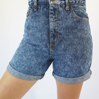 Vintage 80s Womens GUESS? Dark Blue Acid Wash High Waisted Denim Shorts / Size (28)