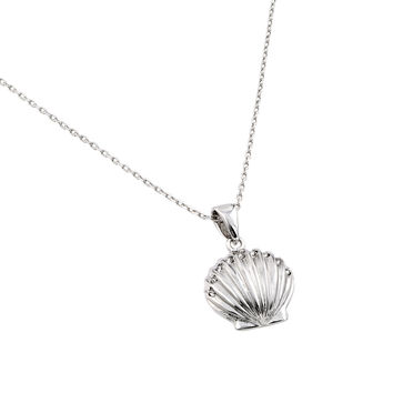 .925 Sterling Silver Rhodium Plated Clear Cubic Zirconia Stone Clam Shell Pendant Necklace 18 Inches
