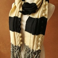 Handmade classic black and white two-color pineapple flower Scarf