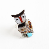 Vintage Sterling Silver Owl Ring - Size 7 Retro Native American Style Coral , Shell & Turquoise Gem Inlay Figural Bird Southwestern Jewelry