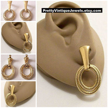 Monet Pinpoint Double Hoops Pierced Earrings Gold Tone Vintage Long Trapeze Bar Dangles