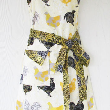 Rooster Apron, Yellow and Black Floral Roosters, Paisley, Retro Apron, Vintage Style, Women's Full Apron, KitschNStyle