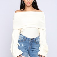Marilyn Off The Shoulder Sweater - Cream