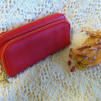 Red and Gold Wallet Vintage Faux Leather Red Clutch Small Purse Cell Phone Credit Card Holder Case With 3 Zippered Compartments High Fashion