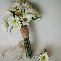 Hippie Bouquet Daisy Brides Bouquet 70s style wedding flowers