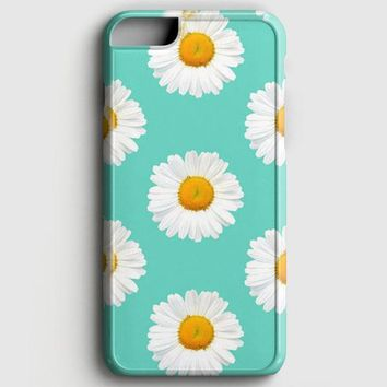 Lovely Daisies iPhone 7 Case