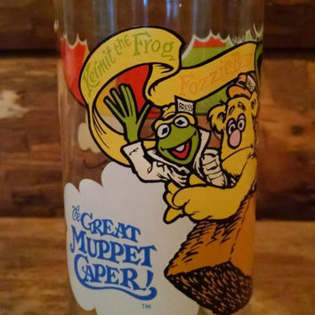 Vintage The Great Muppet Caper McDdonalds Glass, Gonzo Fozzie Kermit in a Hot Air Balloon Tumbler, 1980s collectible
