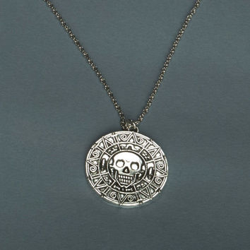 Antique silver / Bronze Aztec Charm, Pirates of the Caribbean Property,Cursed Pirate Doubloon Charms 39mm