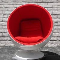 ORIGINAL 1965 AARNIO BALL CHAIR - MID CENTURY SPACE AGE MOD - RED and WHITE