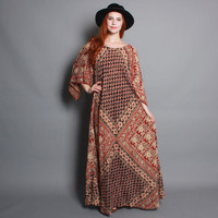 70s BATIK MAXI Dress / Pointed Sleeve Ethnic Indian Cotton CAFTAN