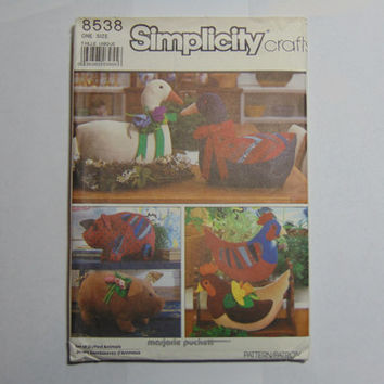 Simplicity Craft Sewing Pattern 8538 Set of Stuffed Animals