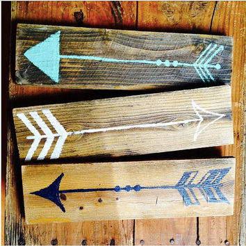 Wooden Arrow Wall Art