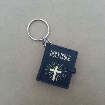 religion english version small size holy bible key chain book keychain christian jesus key ring keyring gift prayer god bless