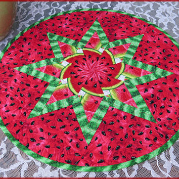 Quilted Watermelon Table Topper, Round Quilt, Table Decor 828