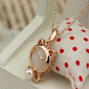 Gold Tone Opal Lucky Cat Clavicle Chain Pendant Necklace