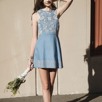 Susan Embroidered Dress Denim Small