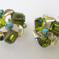 LISNER Green AB Crystal Earrings Vintage Gold Tone Screw Back  G8
