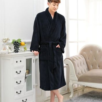 2017 winter oversize Men Flannel Robes coral fleece loose thicker warm Male Bath Robe pure color autumn Terry Bathrobes
