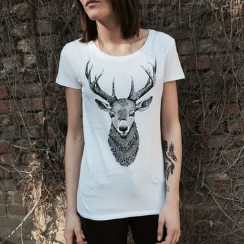 Ladies t shirt with deer bust print. Screenprinting of a handmade design. 100% cotton. for her. Color white.