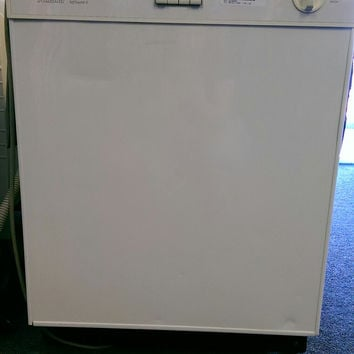 Amana DWA33AW Dishwasher - White - USED