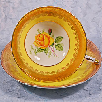 FREE SHIPPING Paragon Teacup And Saucer, A4026, Yellow And Gold, Yellow Rose