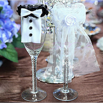 2 PCS Bride & Groom Tux Bridal Veil Wedding Party Toasting Wine Glasses Decor