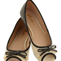 ModCloth Errand Essentials Flat in Black