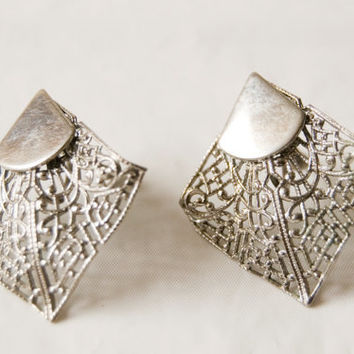 Vintage 80s Screw on Silver Toned Earrings Triangles Mesh