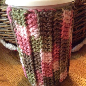 16 or 20 oz cup cozie, pink Camo, gift idea, party favor, pink, green, brown, game prize, crochet cozie, handmade,