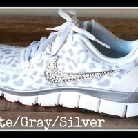 Women's Nike Free 5.0 v4 White/Wolf Gray/Metallic Silver size 9 with Swarovski crystal details