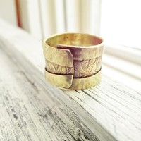 Rustic Brass Overlap Ring Adjustable Floral Pattern