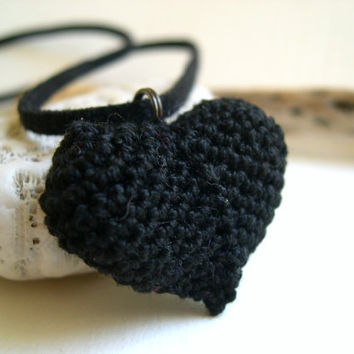 Black heart pendant necklace - Mother's day gift idea present - Lace Fashion - Crochet heart - handmade - Wedding anniversary - Gift idea