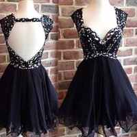 Open Back Short Black Lace Homecoming Cocktail Dresses K218