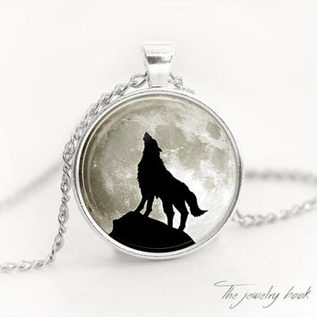 HOWLING WOLF PENDANT Wolf Necklace Wolf Jewelry Werewolf Jewelry wolf pendant Werewolf Jewelry