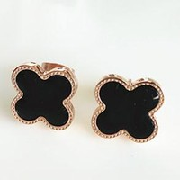 Cartier rose gold titanium steel shell flower lucky four-leaf clover classic mini size two optional female ear nail earrings