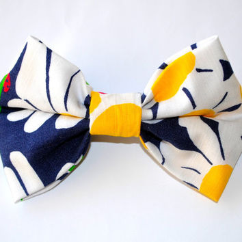 "Designer Lilly Pulitzer ""Bright Navy Look Lady"" Print Hair Bow"