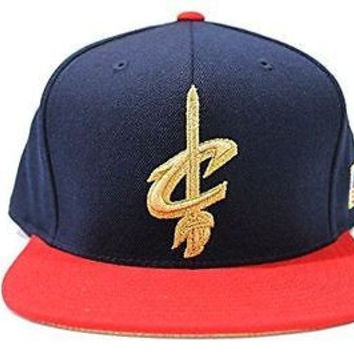 Mitchell & Ness Men's Cleveland Cavaliers USA Flag Fitted Hat