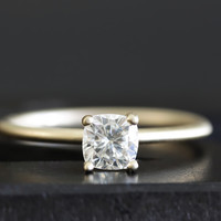 14k GIA cushion cut diamond ring