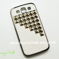 Samsung Galaxy S3 Case - Gun Black Pyramid Studded on White Samsung Galaxy S3 Case